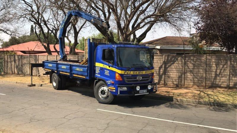 crane trucks - p&l machine moving and rigging