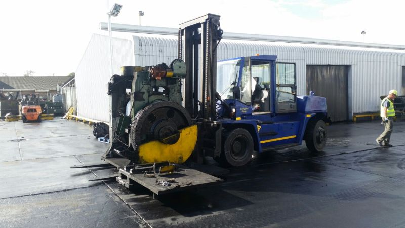 fork lifts - p&l machine moving and rigging