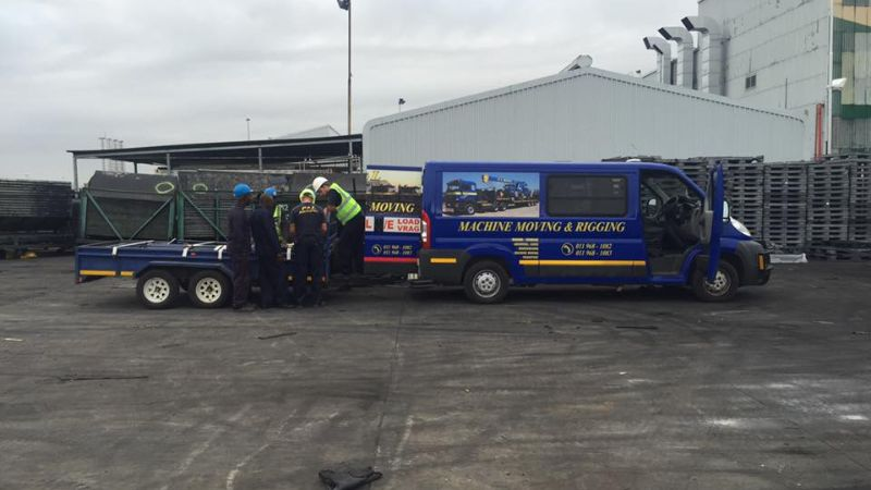 light commercial vehicles - p&l machine moving and rigging