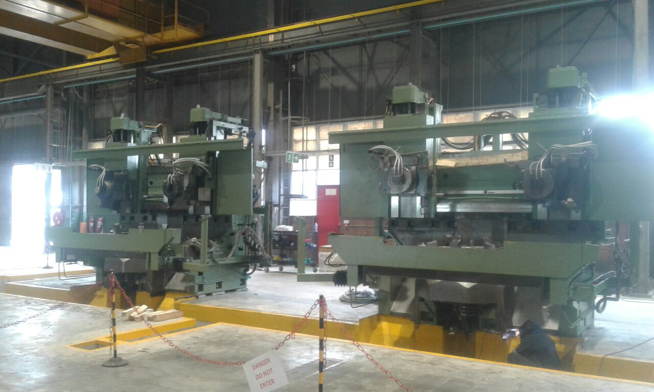 30 Ton Mobi Lift - P&L Machine Moving & Rigging