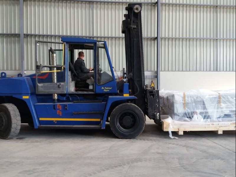 container handling - P&L machine moving and rigging